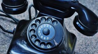 phone-old-year-built-1955-bakelite-163008 (2).jpg