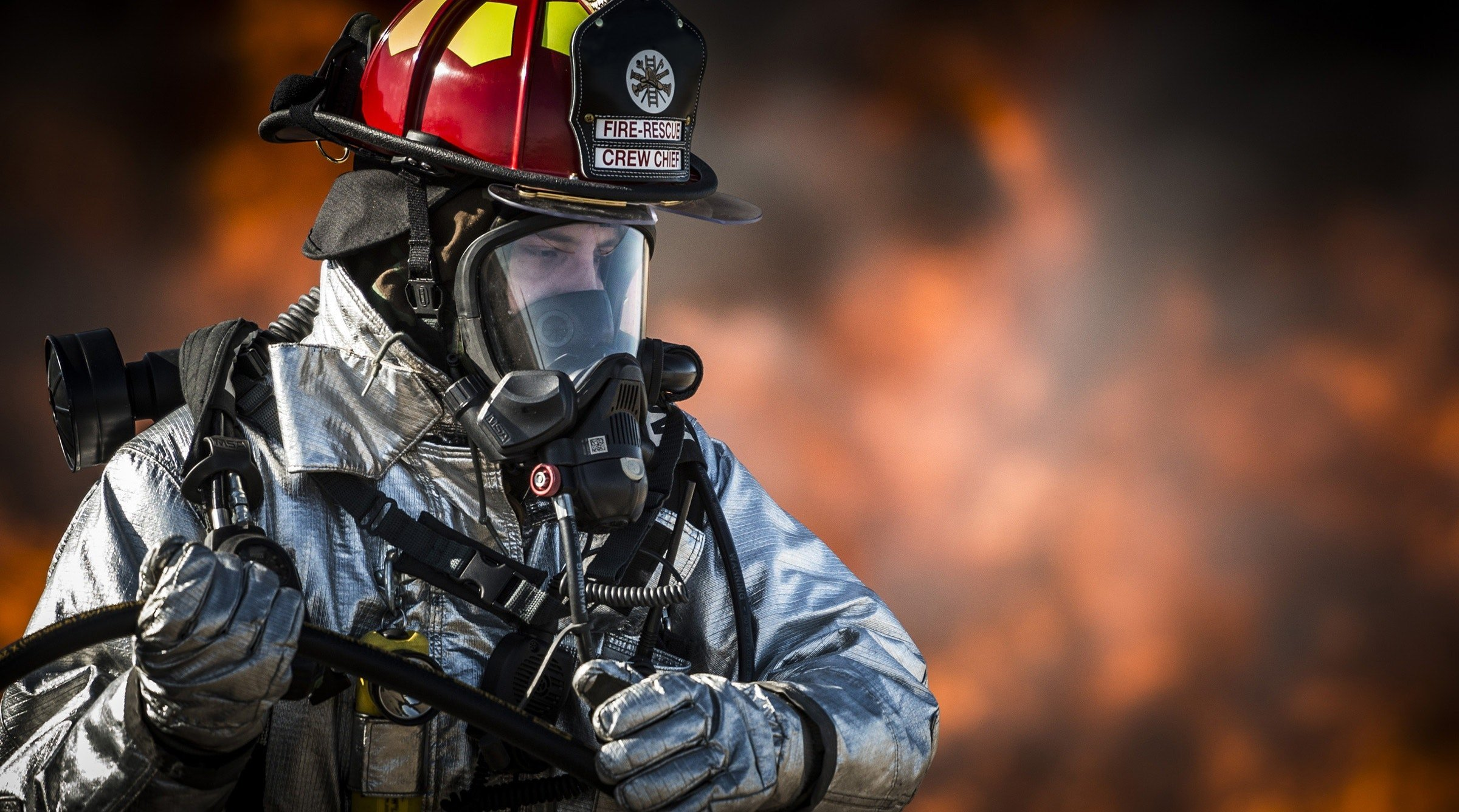breathing-apparatus-dangerous-emergency-36031 EDIT